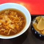 聚幸園 - 聚幸園 @板橋本町 日替り定食に付くスープと搾菜