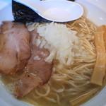 濃麺 海月 - 煮干しらーめん(白口2種・豆アジ)750円