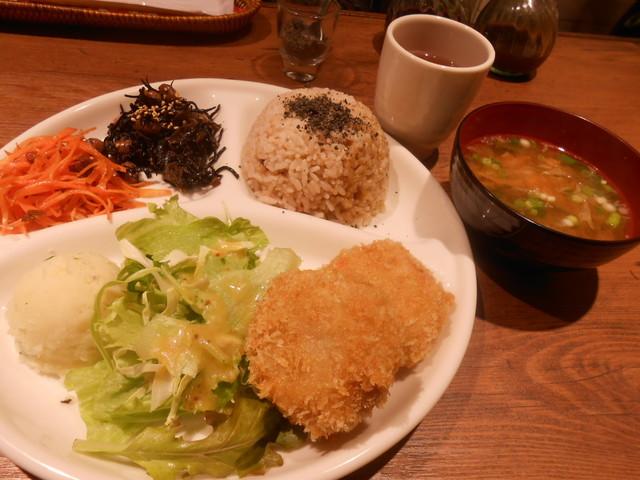 オーク カフェ - 日替りプレート(ひよこ豆のコロッケ) 1,050円