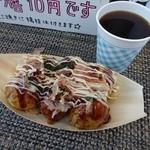 天だこ - 料理写真:たこ焼き6個(300円)