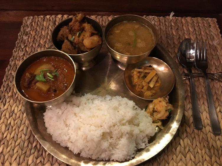 ネパール料理バルピパル