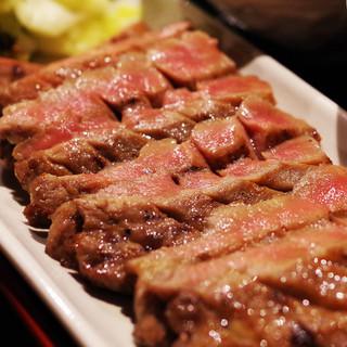 仙台!厚切り牛タン焼きは脂がのって美味♪その他東北料理多数