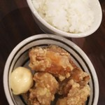 醤油ラーメン かまやつ - Cセット唐揚げ(4個)+ごはん=<税込>330円(2016.03.01)