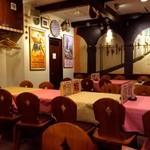 スペイン料理銀座エスペロ - スペイン色がいい店内 (14時ごろの店内)
