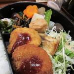 松風 - お弁当は魚のフライ、塩さば、煮物、ひじきやサラダとバランスの良いおかずが使われたお弁当でした。