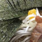 48116361 - 『太麺・小盛り』680円+『海苔増し』100円
