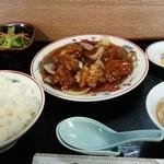 香亭 - 酢豚定食