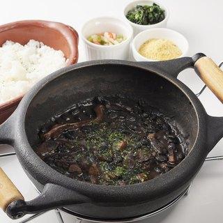 ブラジル伝統料理・黒豆の煮込みフェイジョアーダ