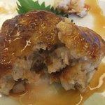 加西サービスエリア(下り線)レストラン - 中は柔らかいお好み焼のような食感♪