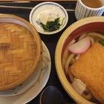 加西サービスエリア(下り線)レストラン - 『丹波黒どりのおこわ&うどんセット¥1000』