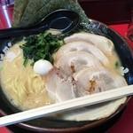 Yokohamaiekeiramentokorozawayamatoya - 塩チャーシュー麺大盛 980円