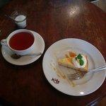 キトカフェ - 紅茶とキャラメルチーズケーキ