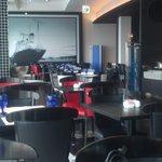 下町 DINING & CAFE THE sea - オシャレな店内です。