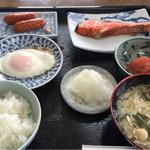 佐藤屋旅館 - 料理写真:宿泊の朝食♩