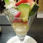 タカノフルーツパーラー 横浜高島屋店 - フルーツパフェ