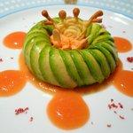 モナリザ 恵比寿店 - 03 前菜(アボガドとカニのサラダ ターバン仕立て オレンジ・トマトソース)