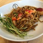 スパイスとお肉の料理店 ミナトン - インド焼きそば(並)