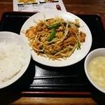 Sambikuenhompodandan - 豚キムチ定食500円