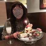 又三郎 本店 - サプライズにめっちゃ嬉しそうなのは、、、誰だ???スパークリングの日本酒と共に~♡