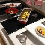 エトワール - カリフラワーとジャガイモ、ほたてのクリームマリネ、海老芋と海老のオランダ煮(ディナー限定)