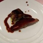 エトワール - フォアグラのポワレと鴨胸肉のロースト リンゴのコンポート添え