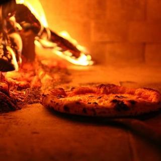 ◆自慢の特製石窯で焼く絶品pizza◆