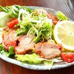 八剣伝 - 話題の油淋鶏サラダ
