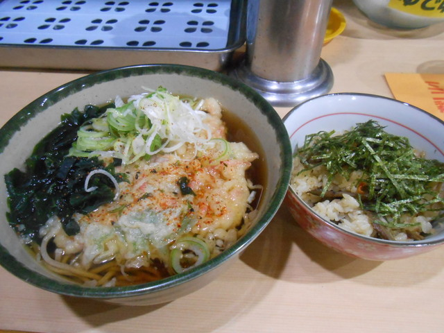 丸富そば - かきあげ天ぷらそば、ミニ鶏ごぼうご飯 480円