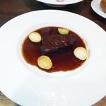 コントワール - 牛ほほ肉の赤ワイン煮