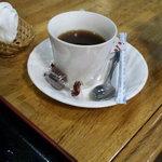 48189626 - 食後のコーヒー、ちょっとしたチョコのサービスが◎