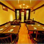 桔梗トラジ - 店内テーブル