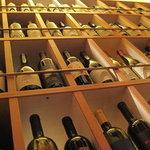 アルモニコ - ワインセラーには美味しいイタリアンワインが300種!