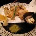 手打蕎麦 義 - 牡蛎の天ぷら