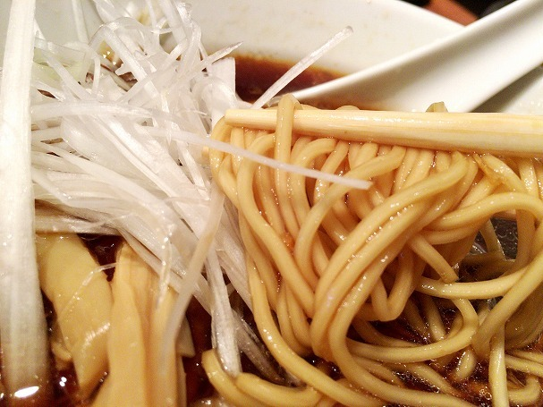 味音 - 三河屋製麺の麺