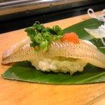 すし屋の笹勘 - キスの繊細な味に、もみじおろしとポン酢がぴったり