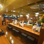 島酒場 平良商店 - 沖縄要素満載のカウンター席
