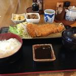 ごはん処 カンエー亭 - 料理写真:トンカツ定食 750円(税込)   小鉢が無料で2つ付きました。小鉢の高野豆腐が美味しかったです。