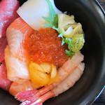 48213409 - 海鮮丼(1,000円)