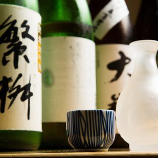 日本全国各地の地酒を35種類取り揃えております。