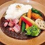 ZORA - いろいろ野菜とスモーキーベーコンカレー