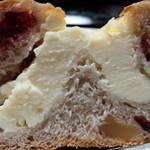 レコパン - クリームチーズとクランベリー(断面)