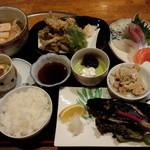 鮮味食彩 宇佐川水産 - 魚定食(1188円)