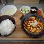 かかん - 四川麻婆豆腐(1,080円)