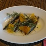 SALVATORE CUOMO & BAR - イワシマリネ、オレンジとウイキョウのサラダ540円