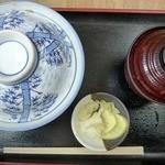 鈴木屋料理店 - 蓋がついた丼