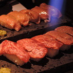 48238535 - 溶岩焼寿司 馬肉 和牛