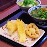 丸亀製麺 - キス天・イカ天・れんこん天