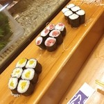 新寿司 - 巻き物好き。沢庵、鉄火、泪巻き