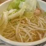 48245059 - 米粉を使った麺フォー お酢やナンプラー(魚醤)で味の変化を楽しみます!
