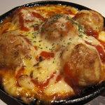 銭屋 - たこ焼きピザは、ミートソースとたこ焼きの愛称ぴったしカンカン★ ¥580